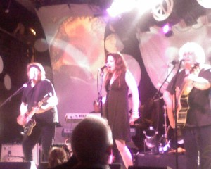 Jefferson Starship wrapped up the show